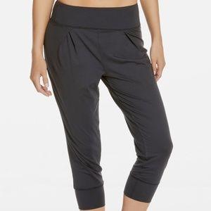 Fabletics Black Yogi Capri Cropped Pants